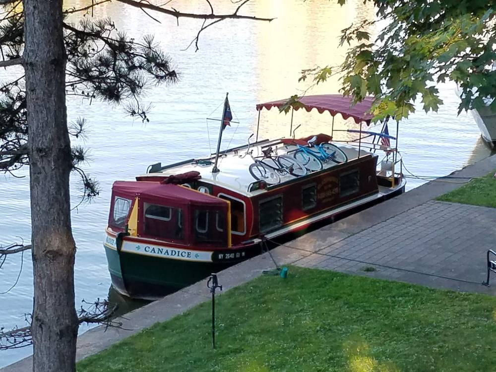 Mid-Lakes Navigation canalboat Canadice docked in Pittsford, NY