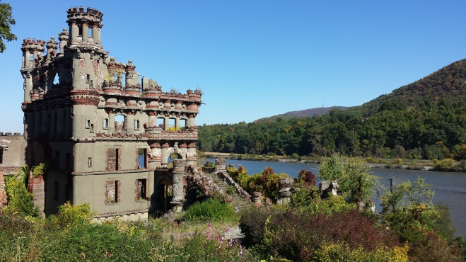 Bannerman Castle and the Hudson River