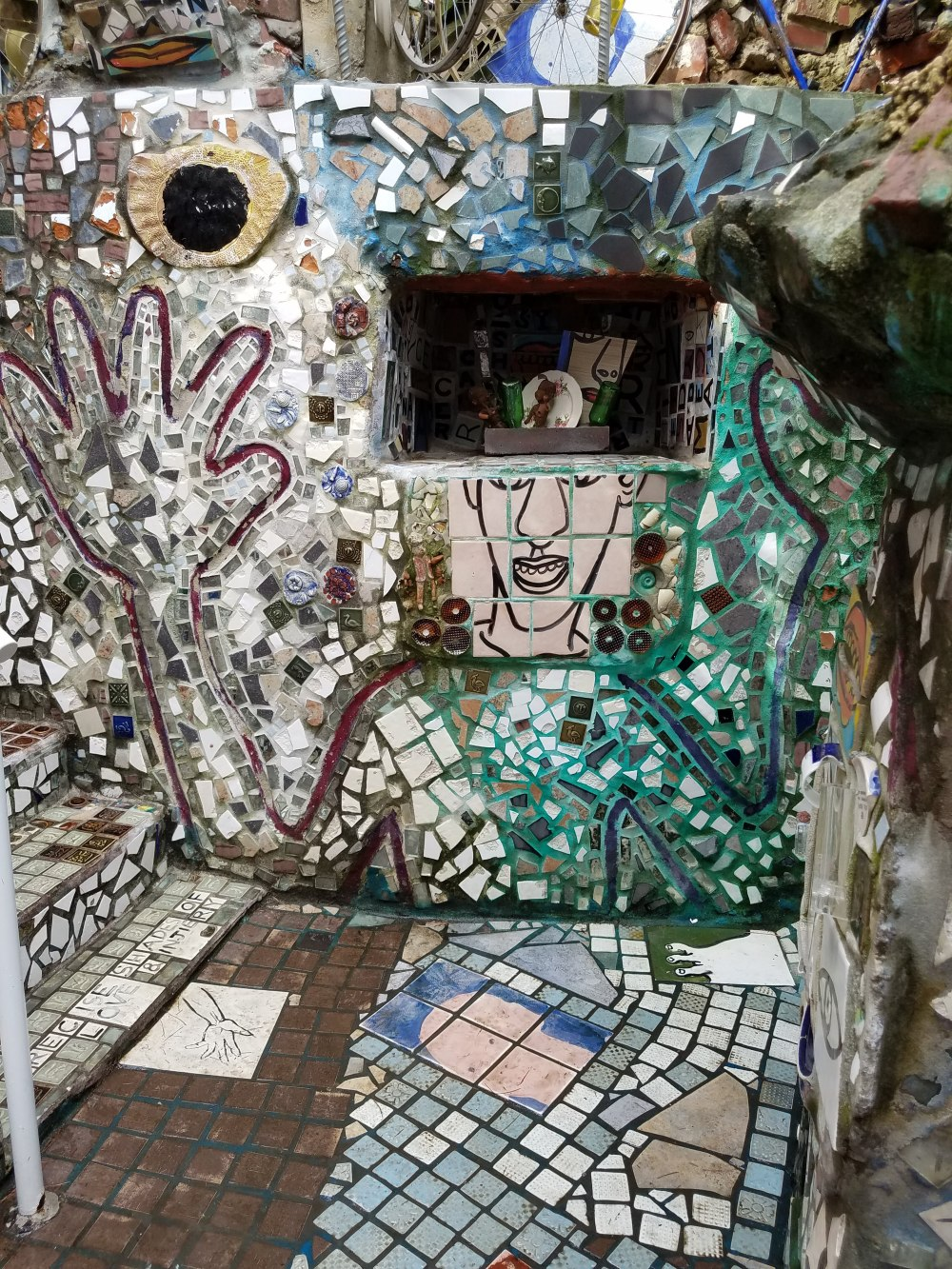 Philadelphia Magic Gardens Face and Hand